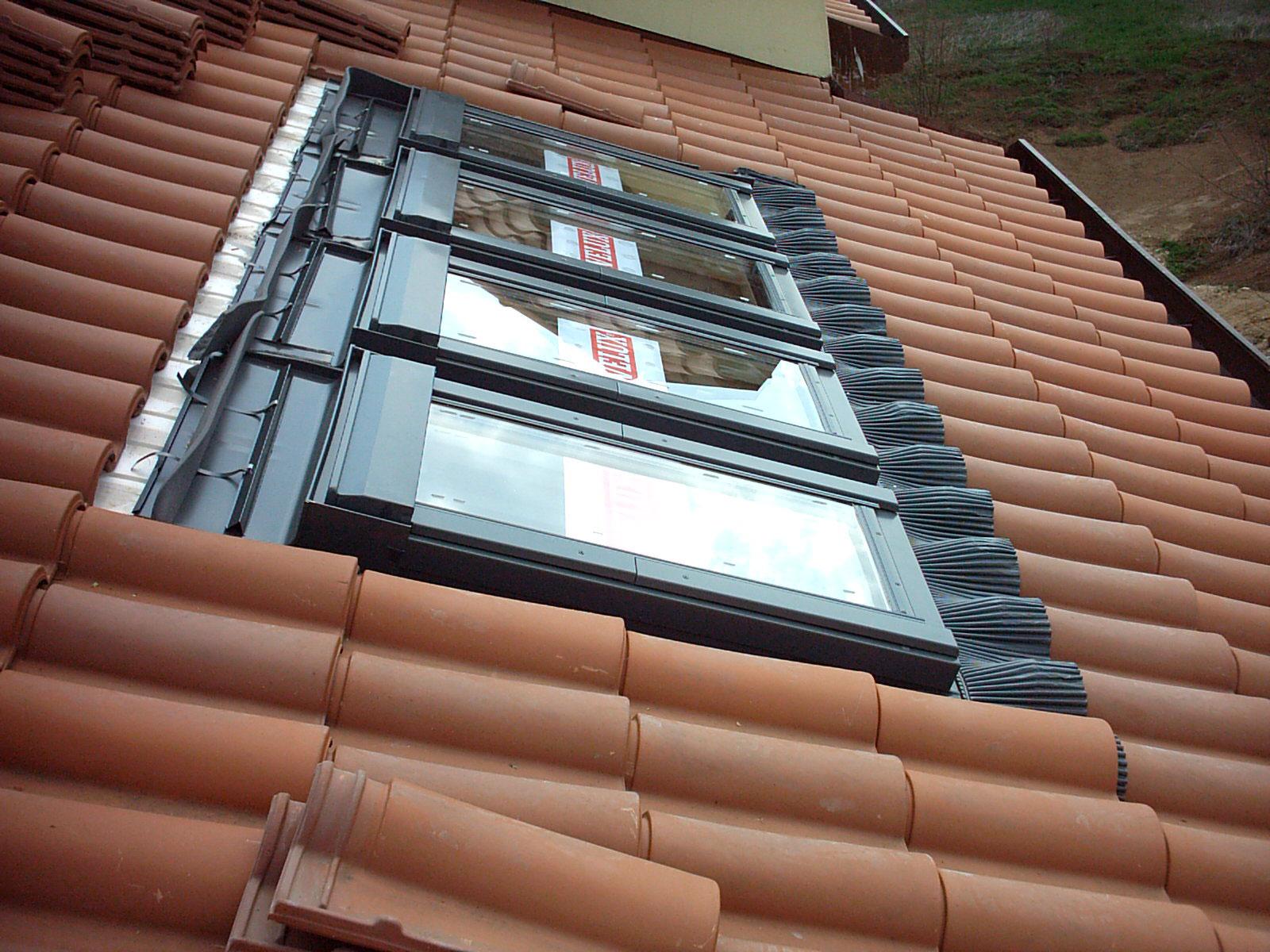 Velux e pozzi luce morenica coperture for Velux tetto